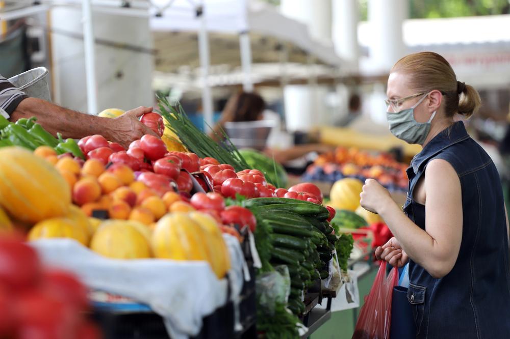 Brasileiros reduziram consumo de alimentos saudáveis em mais de 85% durante a pandemia