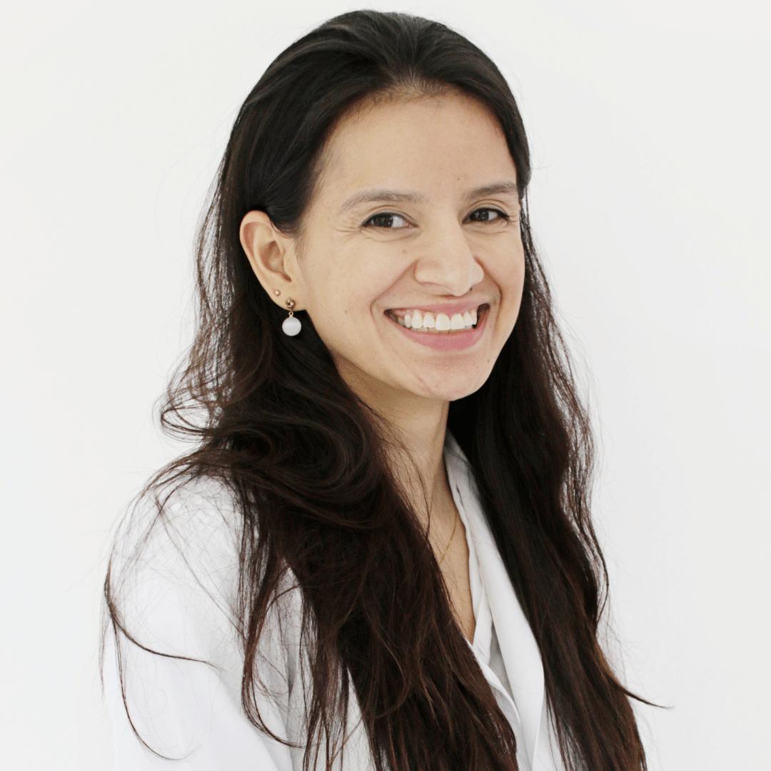 Dra. Mariana Siqueira
