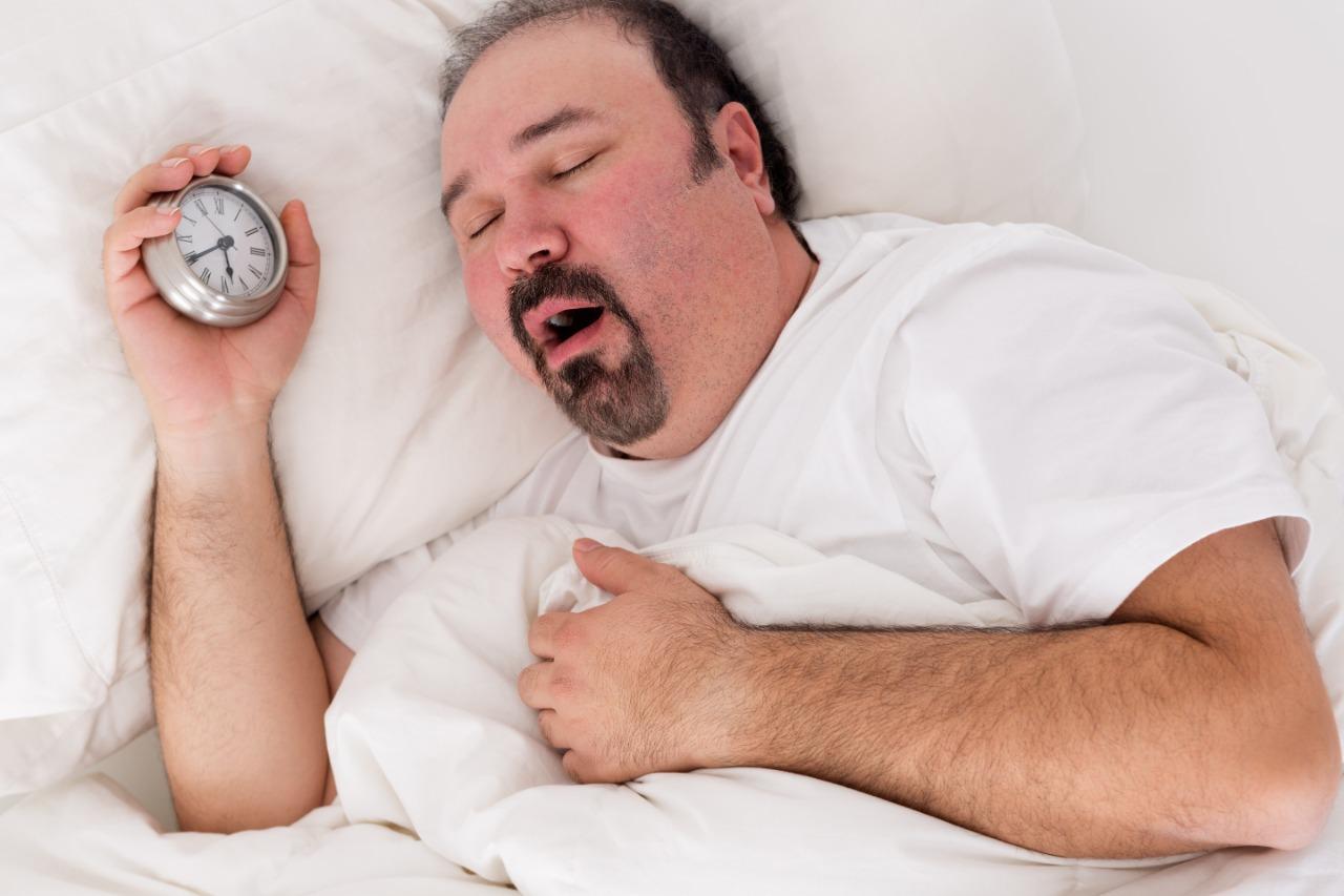 Você sabia que a obesidade é o principal fator que leva à apneia do sono e ao ronco?